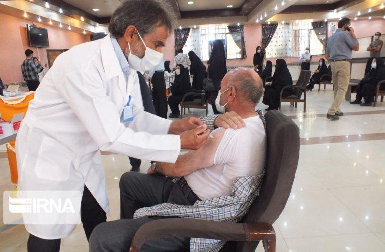 مدیرگروه آموزش مرکز بهداشت قم: مراکز واکسیناسیون کرونای قم در ایام تعطیل فعال است