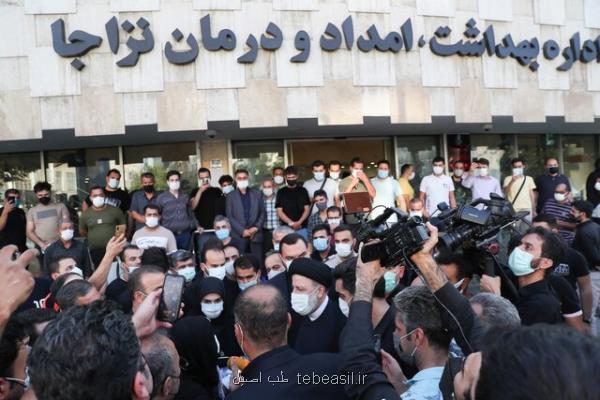 بازدید رئیسی از داروخانه ۲۹ فروردین تهران